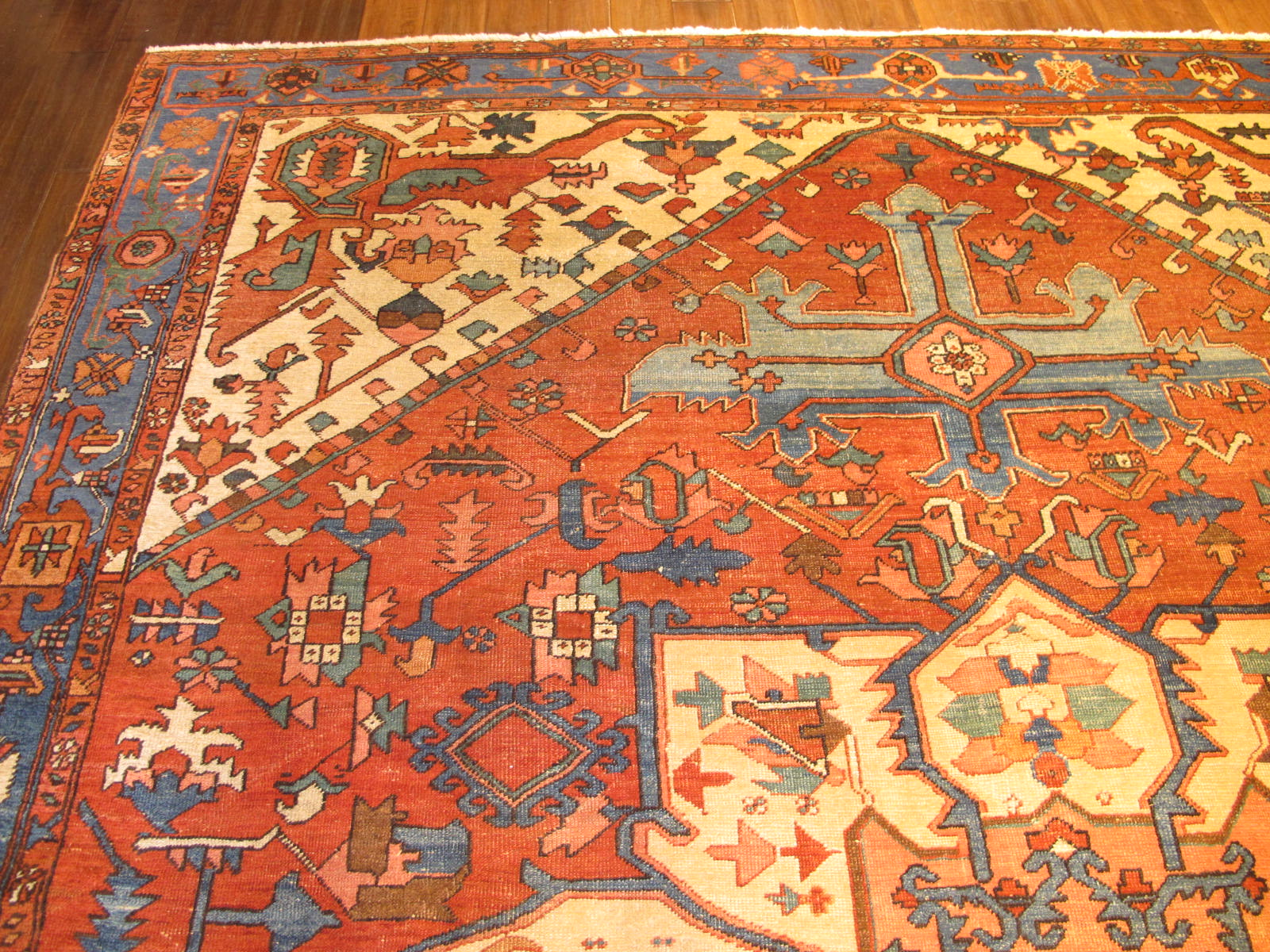 23196 antique persian serapi rug 9,10 x 12,3 (3)