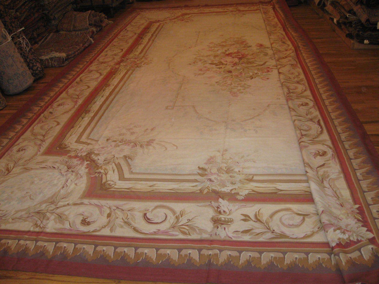 24264 French Aubusson carpet 15 x 23,5