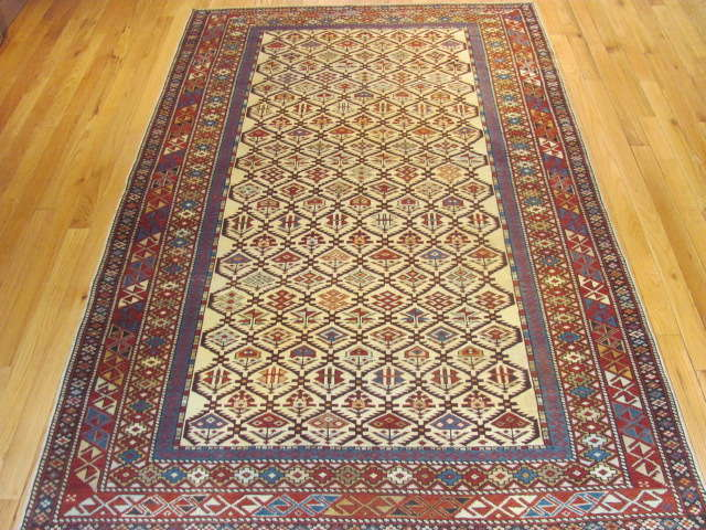 25105 antique caucasian shirvan rug 4,1 x 6,7